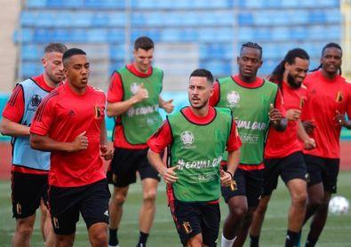 Bélgica arranca sin sus estrellas, De Bruyne y Hazard