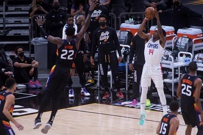120-114: Los Suns toman ventaja ante los Clippers con un espléndido Booker