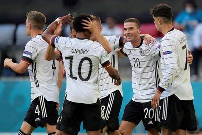 Müller, Hummels, Gündogan y Kroos ausentes en el entrenamiento alemán