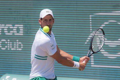 Djokovic no jugará la final de dobles por la lesión de Gómez-Herrera