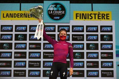 La neerlandesa Demi Vollering se impone al esprint en la Course by Le Tour
