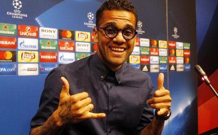 """Alves: """"Llevo al Sevilla en el corazón""""."""
