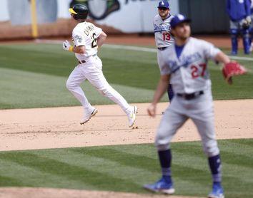 3-2. Bauer tiene apoyo de Betts y Muncy en triunfo de Dodgers ante Gigantes