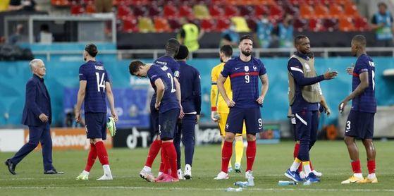 """""""Aniquilados"""": La prensa francesa lamenta la eliminación de la Eurocopa"""