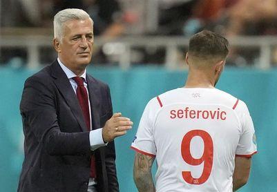 """Seferovic, autor de dos tantos suizos: """"Hemos hecho historia"""""""