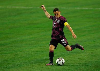 Andrés Guardado, baja con México por una lesión muscular
