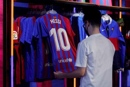Messi sigue siendo el protagonista en el Camp Nou el primer día sin contrato