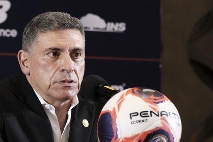 El colombiano Suárez presentó la lista de jugadores de Costa Rica para la Copa Oro