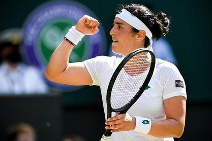 Muguruza resbala en Wimbledon