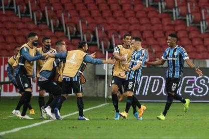 Gremio despide al técnico tras otra derrota que lo hundió como colista en Brasil