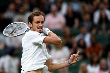 Hurkacz da la sorpresa ante Medvedev y se medirá a Federer