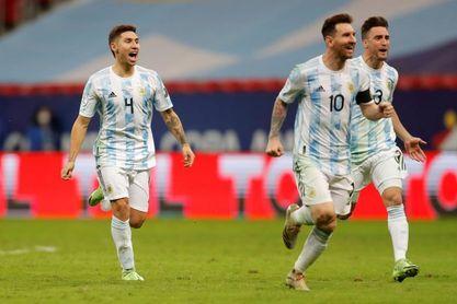 1-1. Martínez ataja tres penaltis y pone a Argentina en la final con Brasil