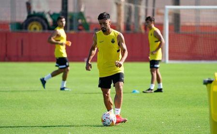 El lateral valenciano Jaume Costa firma con el Mallorca hasta 2023.