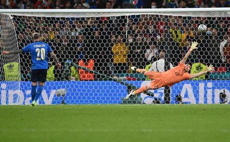 1-1 (4-2). Los penaltis castigan a la mejor España.