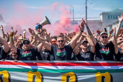 """El ministro de Exterior húngaro califica de """"patética"""" la sanción de la UEFA"""