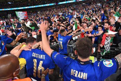 Mario Draghi felicita a Italia y recibirá este lunes al equipo