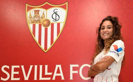 El Sevilla Femenino anuncia el fichaje de Débora García, feliz por reencontrarse con Cristian Toro
