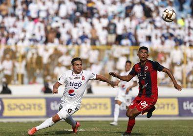 La liga salvadoreña aplaza el inicio del torneo por la prohibición de concentraciones