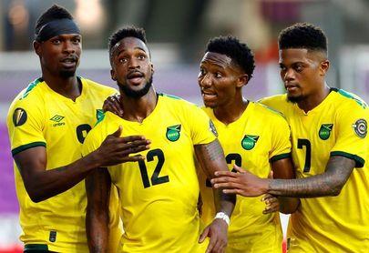 Costa Rica y Jamaica sufren pero aseguran su pase a cuartos de la Copa Oro