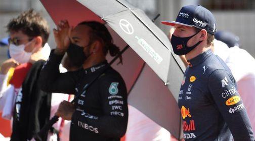 """El padre de Verstappen ve """"ridícula"""" la sanción a Hamilton de 10 segundos"""