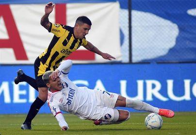 Nacional con la presión de mejorar y Peñarol con el objetivo de mantener su buen juego