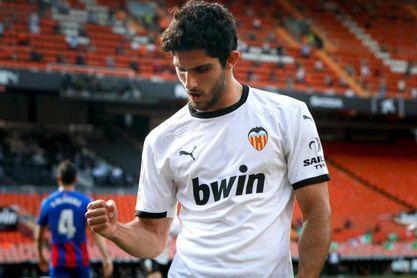 Guedes comienza a entrenarse y el Valencia no descarta que se quede