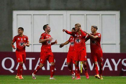 Audax Italiano y Unión La Calera igualan en la cima del fútbol chileno