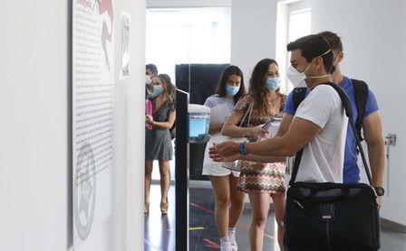 Turno para la vacunación a los jóvenes de 19 a 16 años en Andalucía.