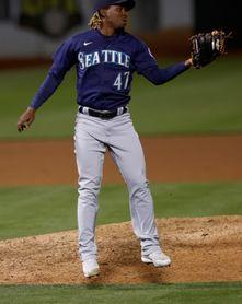 Los Astros se refuerzan con los relevistas derechos Graveman y Montero