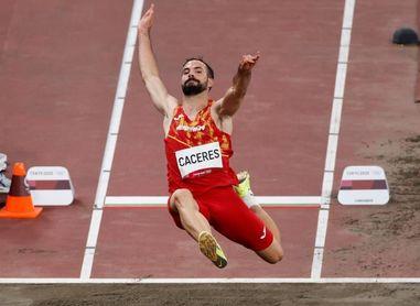 Eusebio Cáceres a la final de longitud con un salto de 7.98