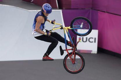 El venezolano Dhers, tercero en la ronda previa a la final del BMX Freestyle