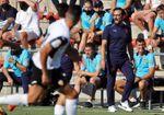 El Valencia avanza en la identidad Bordalás pero sin centro del campo