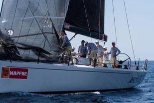 Felipe VI embarca en el ´Aifos´ para preparar la Copa del Rey de vela