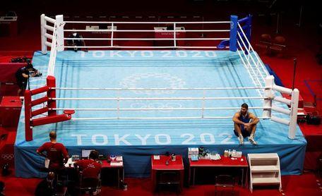 El TAS rechaza la reclamación del púgil francés que hizo sentada en el ring como protesta