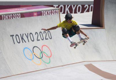 Tres amigos en el podio: la lección del 'skate' a los Juegos