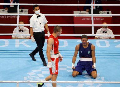 El brasileño Hebert Sousa gana la medalla de oro en el peso mediano
