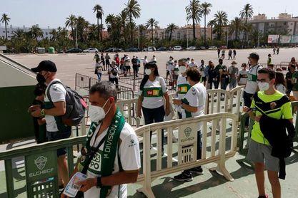 El público vuelve a LaLiga pero con condiciones: 40 % de aforo y mascarilla