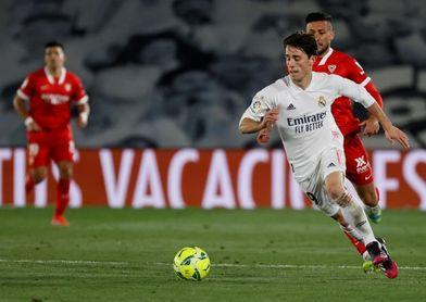 El Real Madrid hace oficial la cesión de Odriozola al Fiorentina