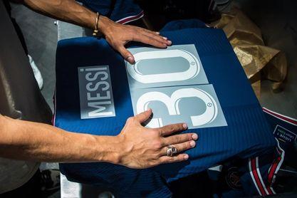 Mbappe, eclipsado por Messi en la tienda del PSG de los Campos Elíseos