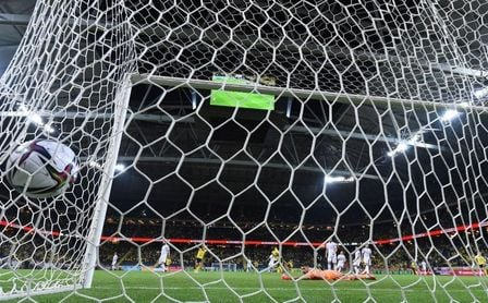 2-1. España se complica la vida y queda a merced de Suecia