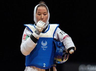 Zakia Khudadadi, la afgana que huyó de los talibanes para vivir su sueño deportivo