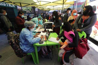 El partido Bolivia-Colombia jala a las hinchadas a vacunarse contra la covid