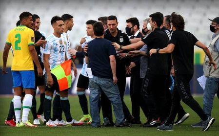Interrumpido por protocolo Covid el Brasil-Argentina, con dos sevillistas sobre el césped