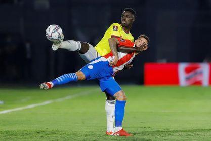 Dávinson Sánchez, baja de Colombia en el partido contra Chile