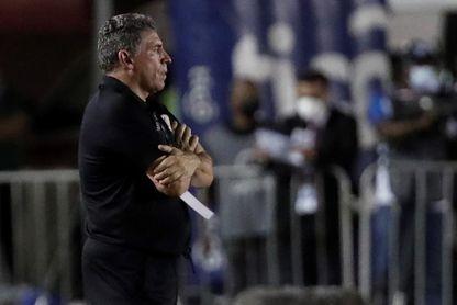Suárez dice que Costa Rica debe responder a las críticas con carácter