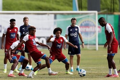 Panamá tendrá dos bajas por covid-19 para su duelo frente a México