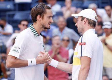 El ruso Medvedev alcanza por tercera vez consecutiva la semifinal del US Open
