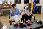 La ministra Isabel Rodríguez recibe a la medallista y empleada pública Marta Fernández