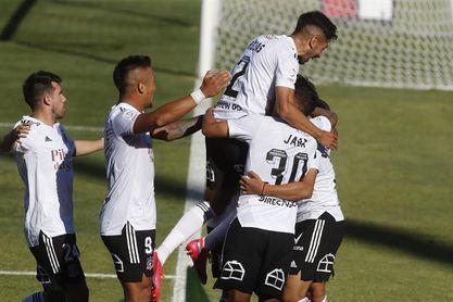 Colo Colo golea a domicilio y se ubica como líder único del torneo de fútbol en Chile