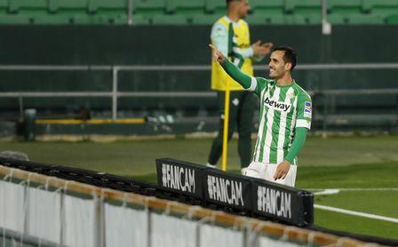 """Juanmi: """"Me gusta más aparecer que jugar de punta""""."""